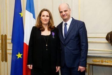 Madame CATINAUD, Chevalier dans l'Ordre des Palmes Académiques